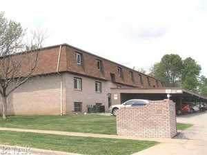 109 Urban Street #8, Bloomington, IL 61704 (MLS #10972880) :: Janet Jurich