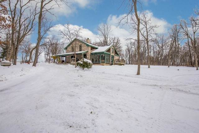 11250 Cemetery Road, Capron, IL 61012 (MLS #10973520) :: The Dena Furlow Team - Keller Williams Realty
