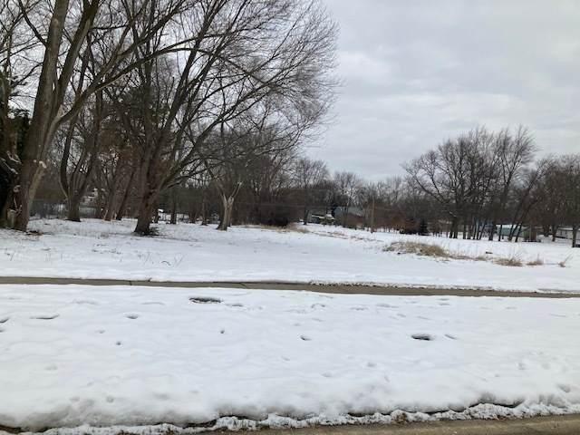2010 Cherry Avenue, Hanover Park, IL 60133 (MLS #10973903) :: Suburban Life Realty