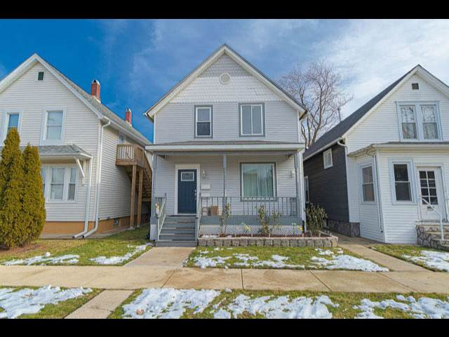 13355 Greenwood Avenue, Blue Island, IL 60406 (MLS #10974872) :: Schoon Family Group