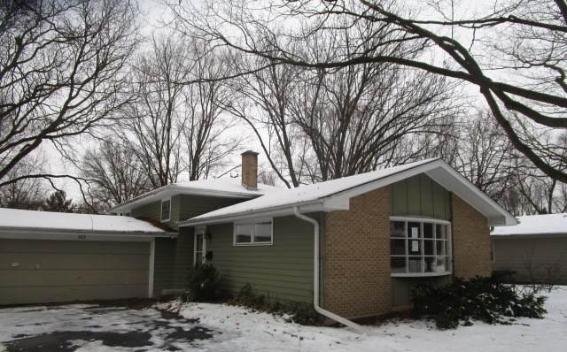 312 W Gartner Road, Naperville, IL 60540 (MLS #10975113) :: Helen Oliveri Real Estate