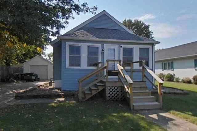 1307 W 2nd Street, Rock Falls, IL 61071 (MLS #10975868) :: Jacqui Miller Homes