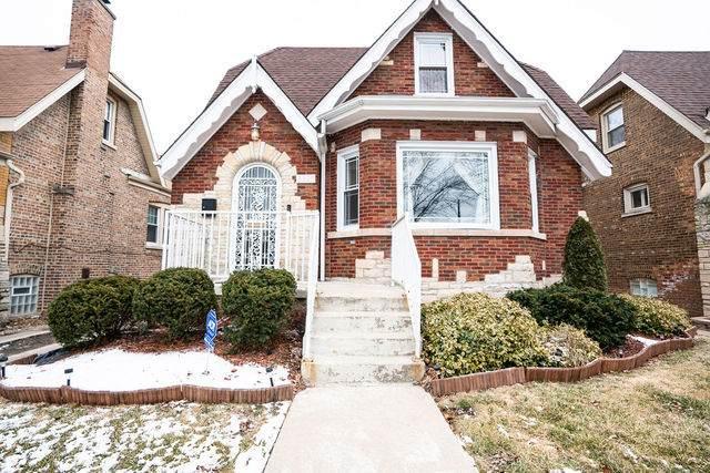 8325 S Calumet Avenue, Chicago, IL 60619 (MLS #10975956) :: Schoon Family Group
