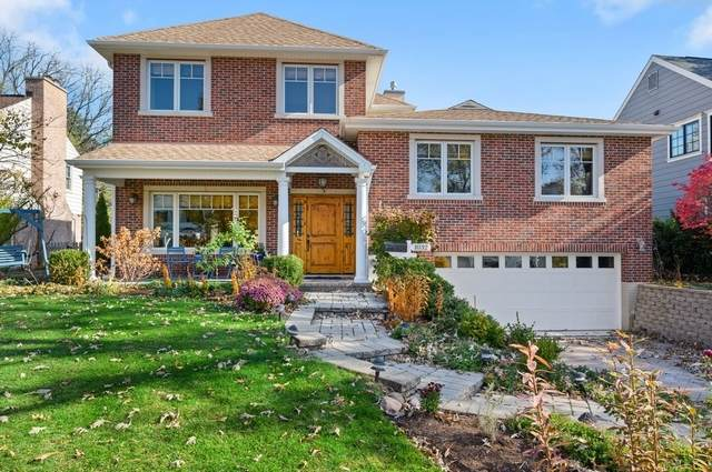 1032 Cherokee Road, Wilmette, IL 60091 (MLS #10976013) :: Helen Oliveri Real Estate