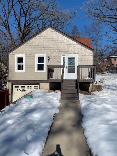 7724 S Oak Road, Wonder Lake, IL 60097 (MLS #10977272) :: Schoon Family Group