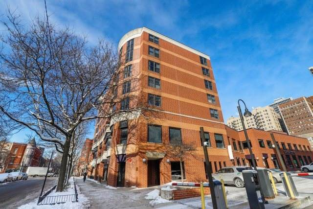 350 W Belden Avenue #303, Chicago, IL 60614 (MLS #10977461) :: The Spaniak Team