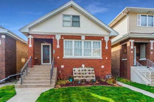 7731 W Westwood Drive, Elmwood Park, IL 60707 (MLS #10978638) :: Suburban Life Realty
