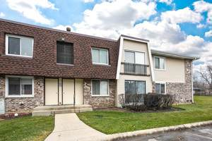 2932 Roberts Drive #7, Woodridge, IL 60517 (MLS #10980360) :: Janet Jurich