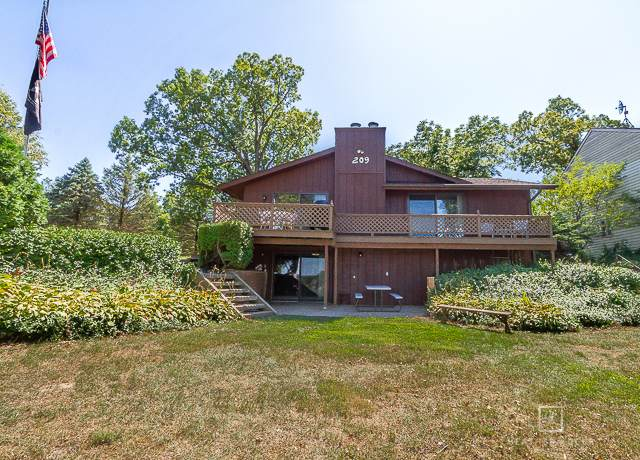 209 Oak Cove Cove, Lake Holiday, IL 60552 (MLS #10981341) :: The Dena Furlow Team - Keller Williams Realty