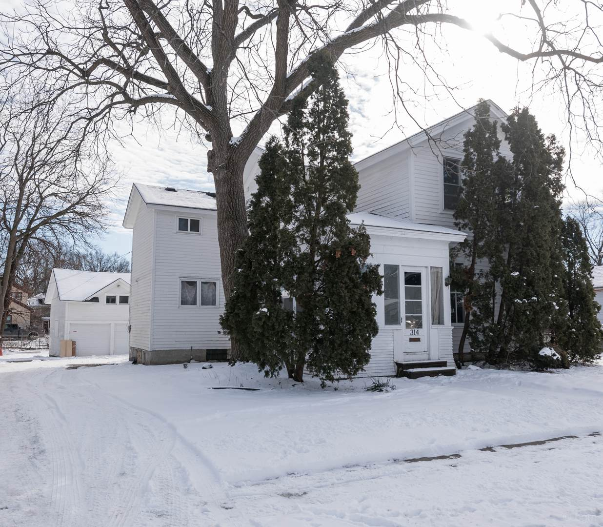 314 Grant Place - Photo 1