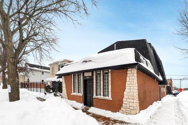 2658 N Mulligan Avenue, Chicago, IL 60639 (MLS #10996428) :: The Dena Furlow Team - Keller Williams Realty