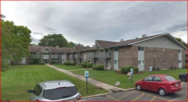 16W585 Mockingbird Lane #106, Willowbrook, IL 60527 (MLS #10998573) :: The Dena Furlow Team - Keller Williams Realty