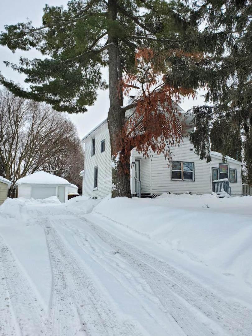 1407 Oak Avenue - Photo 1
