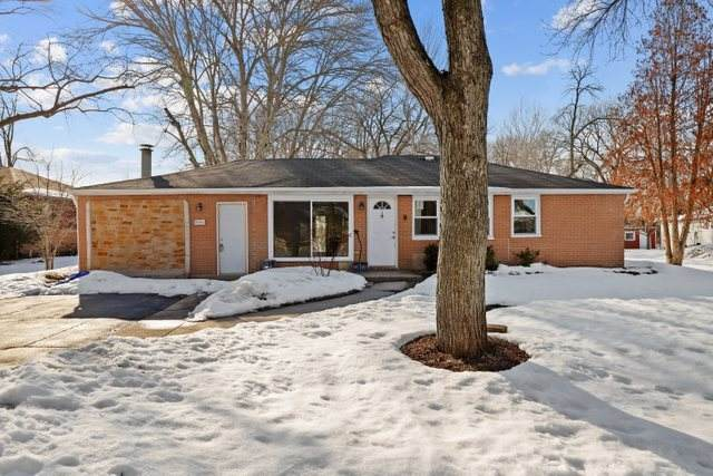 20742 Aspen Court, Deerfield, IL 60015 (MLS #11002189) :: Ryan Dallas Real Estate