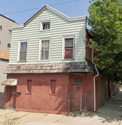 2100 W 18th Place, Chicago, IL 60608 (MLS #11005549) :: Helen Oliveri Real Estate