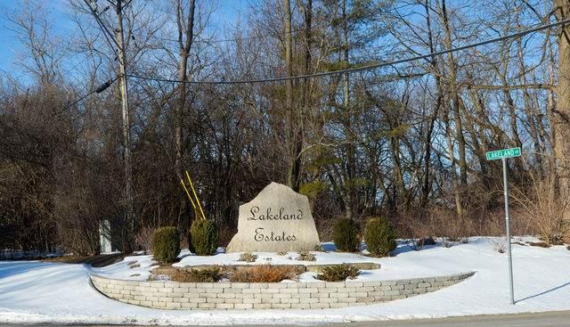 27253 Lakeview Drive S, Lake Barrington, IL 60010 (MLS #11005603) :: John Lyons Real Estate