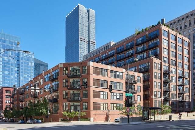 333 W Hubbard Street #806, Chicago, IL 60654 (MLS #11008976) :: The Spaniak Team