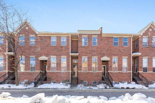 2651 W Melrose Street, Chicago, IL 60618 (MLS #11009036) :: The Spaniak Team