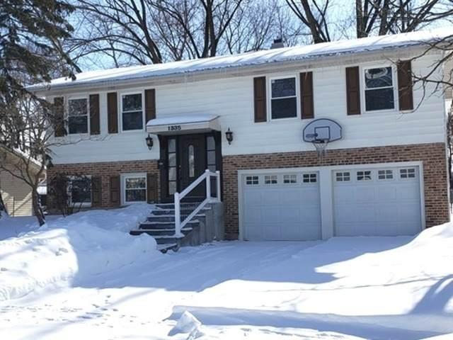 1335 Newcastle Lane, Hoffman Estates, IL 60169 (MLS #11010247) :: Ryan Dallas Real Estate