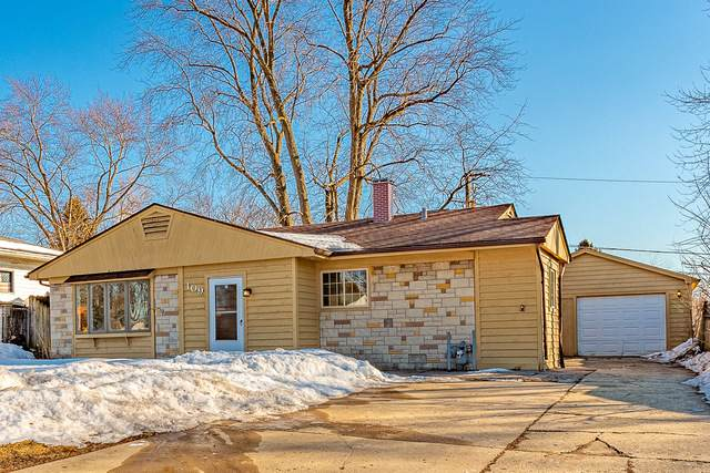 109 Green Lane, Carpentersville, IL 60110 (MLS #11010632) :: Suburban Life Realty