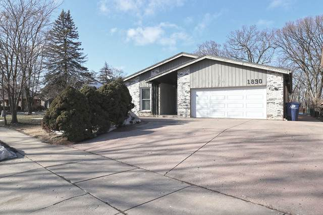 1890 Big Bend Drive, Des Plaines, IL 60016 (MLS #11012704) :: BN Homes Group