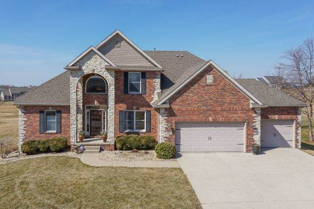 2905 Lone Oak Road, Bloomington, IL 61705 (MLS #11016249) :: The Dena Furlow Team - Keller Williams Realty