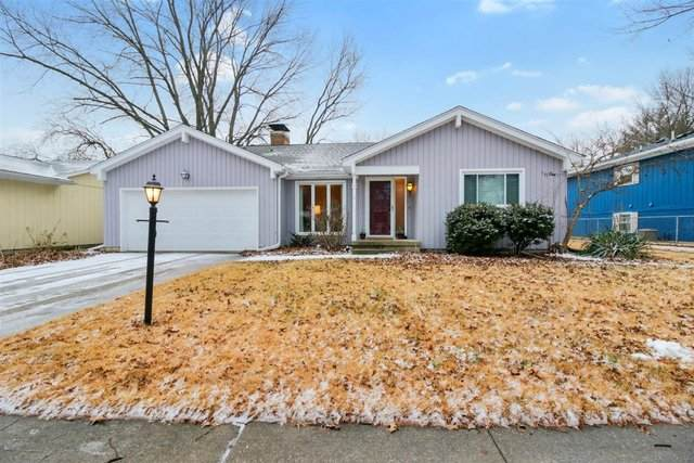 2305 Belmore Drive, Champaign, IL 61821 (MLS #11021949) :: The Spaniak Team