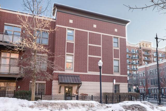 767 W 15th Street #108, Chicago, IL 60607 (MLS #11023198) :: The Spaniak Team