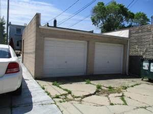 7728 W National Avenue G, West Allis, WI 53214 (MLS #11025938) :: Helen Oliveri Real Estate