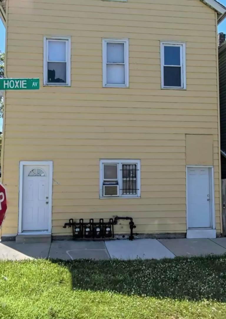 10754 Hoxie Avenue - Photo 1
