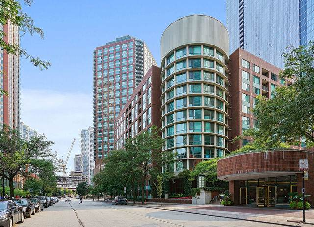440 N Mcclurg Court #709, Chicago, IL 60611 (MLS #11031335) :: The Dena Furlow Team - Keller Williams Realty