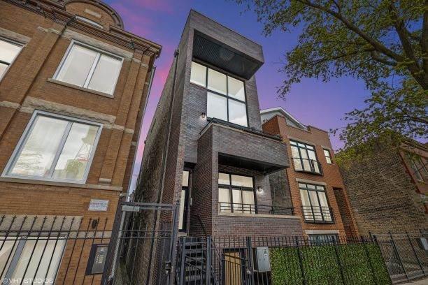 1421 Wood Street - Photo 1