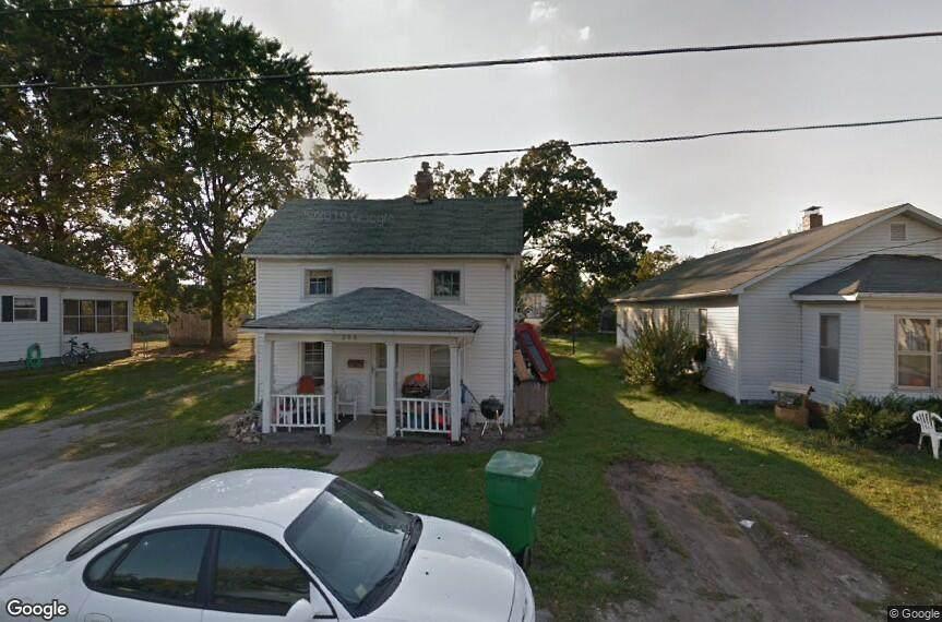 306 Oak Street - Photo 1