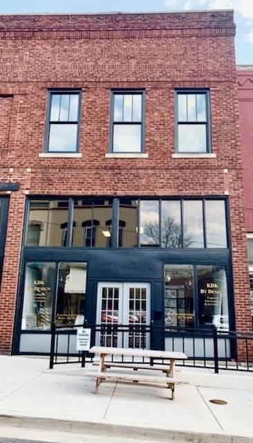 215 W Washington Street, MONTICELLO, IL 61856 (MLS #11047603) :: The Dena Furlow Team - Keller Williams Realty