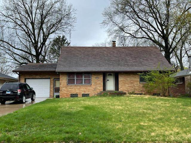 121 Eastview Drive, Normal, IL 61761 (MLS #11049681) :: O'Neil Property Group