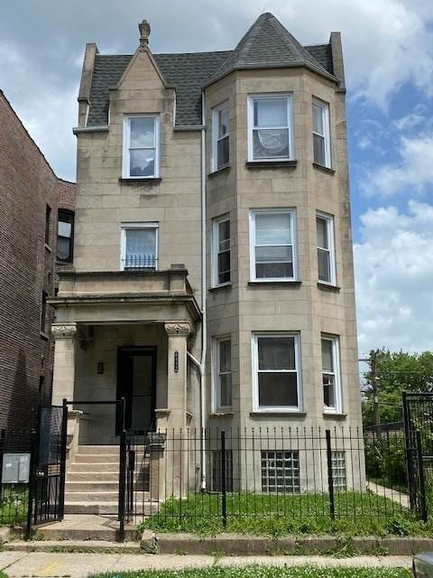 6411 S Maryland Avenue, Chicago, IL 60637 (MLS #11052447) :: RE/MAX IMPACT