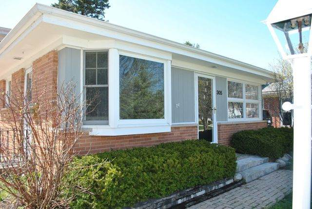 305 Kenloch Avenue, Libertyville, IL 60048 (MLS #11055042) :: Helen Oliveri Real Estate