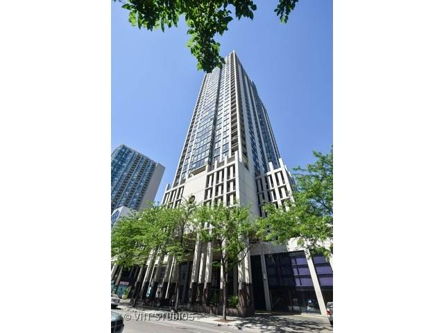 1122 N Clark Street #3804, Chicago, IL 60610 (MLS #11057454) :: Littlefield Group