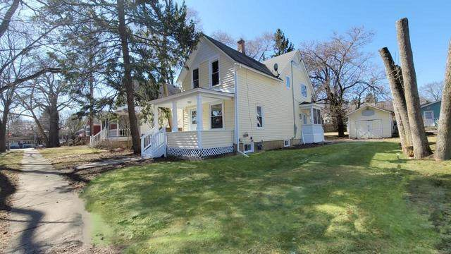 121 4th Street, Libertyville, IL 60048 (MLS #11058773) :: Helen Oliveri Real Estate