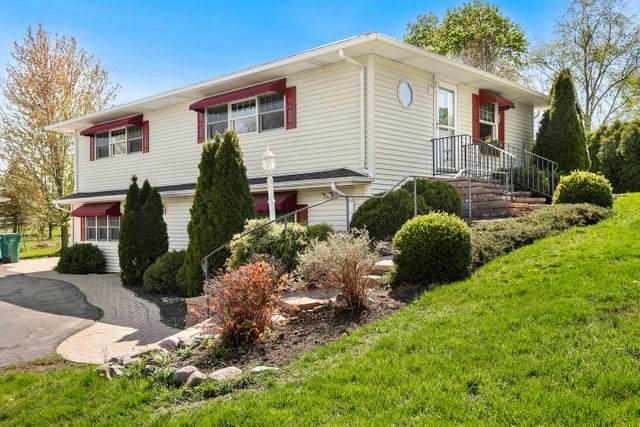 21789 W Kruckenberg Road, Lake Zurich, IL 60047 (MLS #11060078) :: Helen Oliveri Real Estate