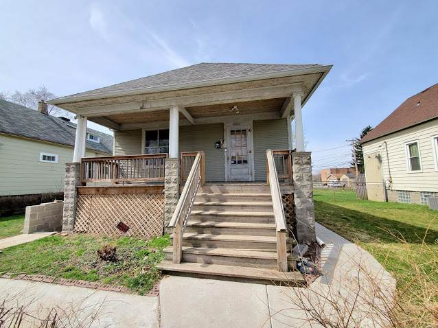 13816 S Atlantic Avenue, Riverdale, IL 60827 (MLS #11060489) :: Carolyn and Hillary Homes