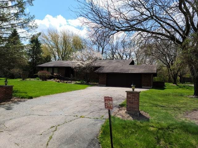 40W297 Apache Lane, Huntley, IL 60142 (MLS #11062811) :: Lewke Partners