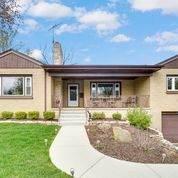435 Laurel Avenue, Woodstock, IL 60098 (MLS #11063165) :: Lewke Partners
