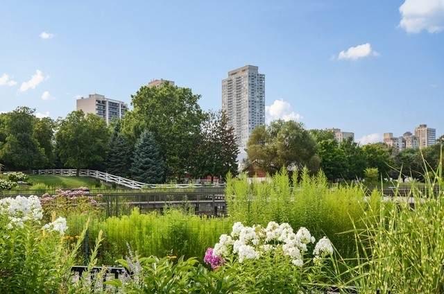 2020 Lincoln Park West - Photo 1