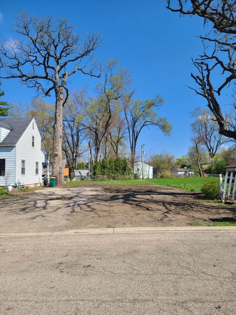 210 Ferndale Drive - Photo 1