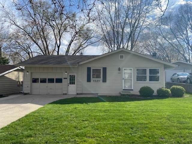 400 River Drive, Dekalb, IL 60115 (MLS #11067607) :: Helen Oliveri Real Estate