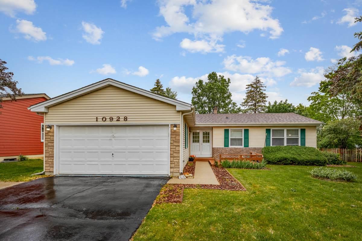 10928 Janice Drive - Photo 1