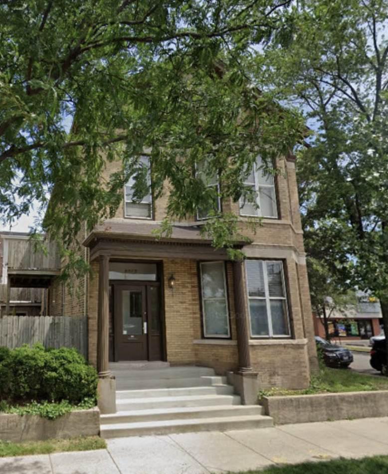 2835 Ashland Avenue - Photo 1