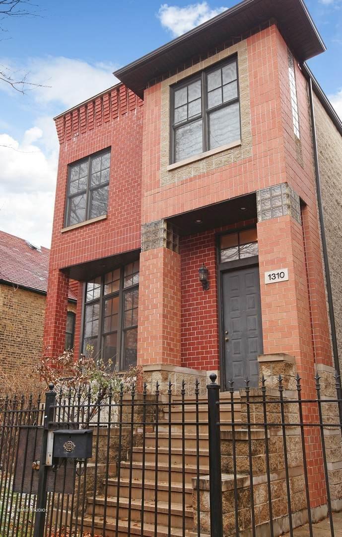 1310 Roscoe Street - Photo 1