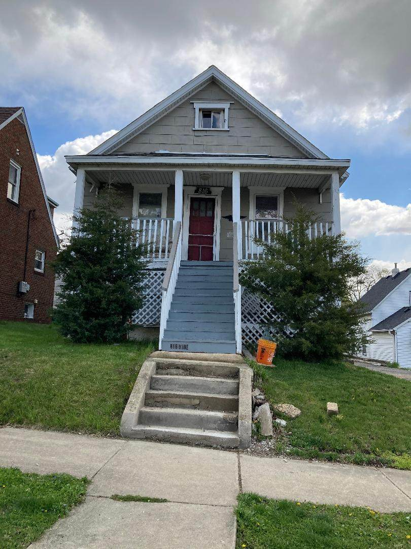 816 Vine Street - Photo 1